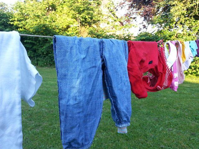 Les astuces de grand-mère pour entretenir ses vêtements