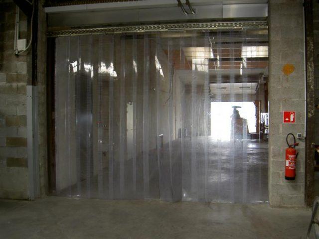 Le rideau en lanière plastique : de multiples avantages