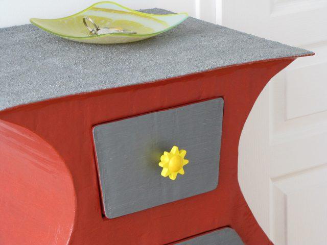 Des meubles en carton : une autre façon de décorer son salon