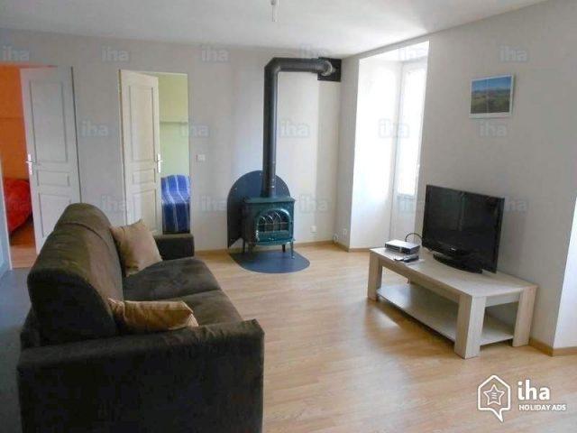 Le meuble TV : un élément décoratif essentiel pour votre salon