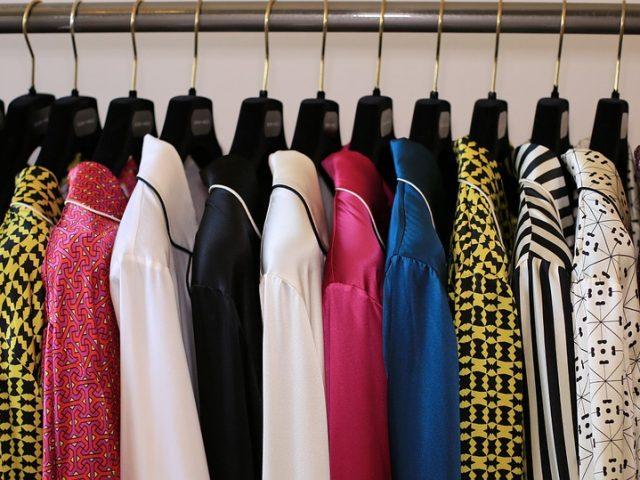 Aménagez votre intérieur avec des portants à vêtements stylés !